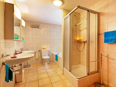 Vacances en montagne Chalet Krokus - Thyon - Salle de bains
