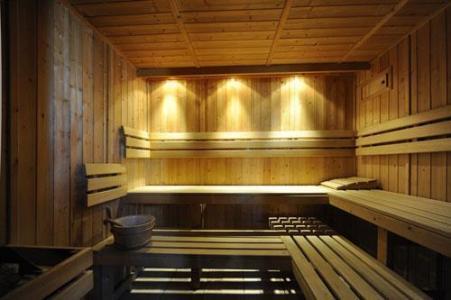 Vacances en montagne Appartement 3 pièces 6 personnes (2) - Chalet le Cristal - Les Menuires - Sauna