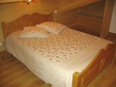 Holiday in mountain resort 7 room duplex chalet 14 people - Chalet le Marjency - Le Grand Bornand - Bedroom