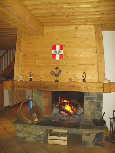 Holiday in mountain resort 7 room duplex chalet 14 people - Chalet le Marjency - Le Grand Bornand - Fireplace