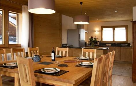 Holiday in mountain resort Chalet Levanna Orientale - Les 2 Alpes - Dining area