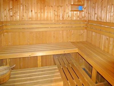 Vacances en montagne Chalet Levassaix - Les Menuires - Sauna
