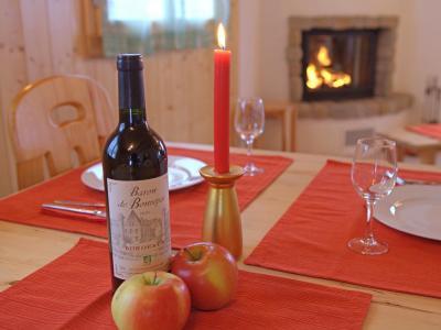 Vacances en montagne Chalet Michelle - La Tzoumaz - Table