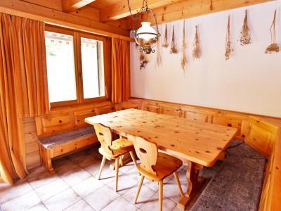 Vacances en montagne Chalet Mouettes - La Tzoumaz - Salle à manger