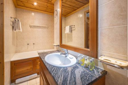 Vacances en montagne Chalet Santons - Val d'Isère - Salle de bains
