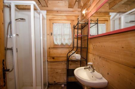 Vacances en montagne Appartement duplex 2 pièces 3 personnes - Chalet Sépia - Chamonix - Chambre mansardée