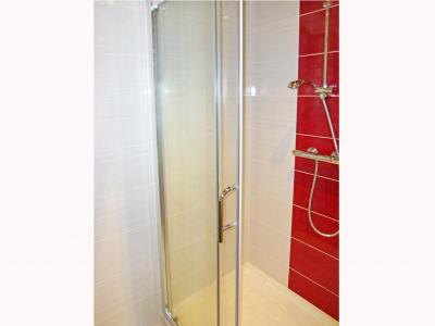 Holiday in mountain resort Chalet Ski Royal - Les Menuires - Shower