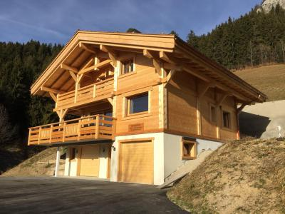 Rent in ski resort 6 room triplex chalet 12 people - Chalet Soleya - Le Grand Bornand - Summer outside