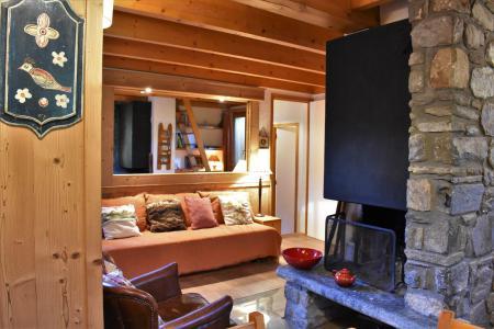 Holiday in mountain resort 3 room duplex chalet 6-8 people (tarnad) - Chalet Tara - Méribel - Fireplace