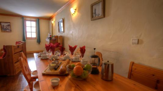 Wakacje w górach Apartament 5 pokojowy 9 osób (4P) - Chalet Val d'Isère Cristal - Val d'Isère - Jadalnia