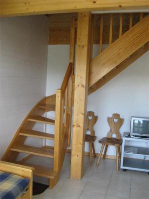 Vacances en montagne Appartement 4 pièces 6 personnes - Chalets Domaine les Adrets - Gérardmer - Escalier