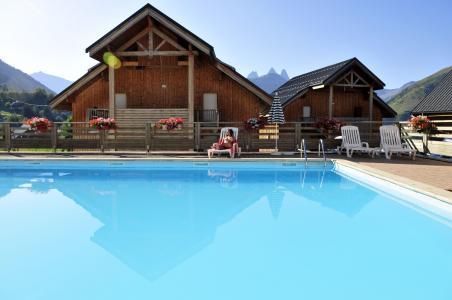 Vacances en montagne Chalets les Marmottes - Saint Jean d'Arves - Piscine
