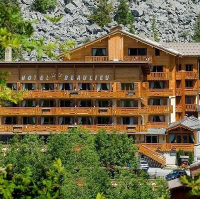 Location au ski Hotel Beaulieu - La Clusaz - Extérieur été
