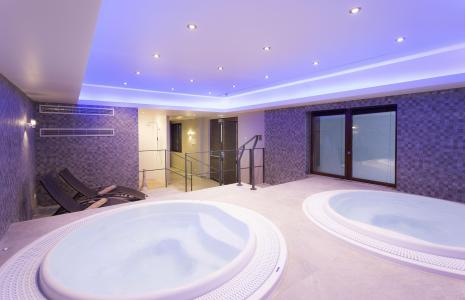 Holiday in mountain resort Hôtel Club MMV les Arolles - Val Thorens - Jacuzzi