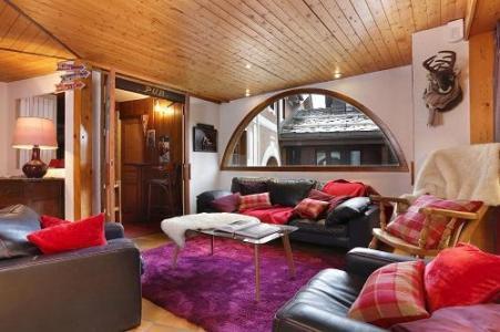 Holiday in mountain resort Hôtel du Bourg - Valmorel -