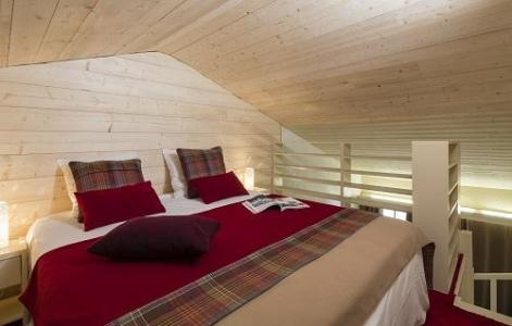 Holiday in mountain resort Duplex room (2 persons rate) - Hôtel du Bourg - Valmorel - Double bed