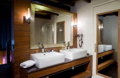 Vacances en montagne Hôtel Ibiza - Les 2 Alpes - Lavabo