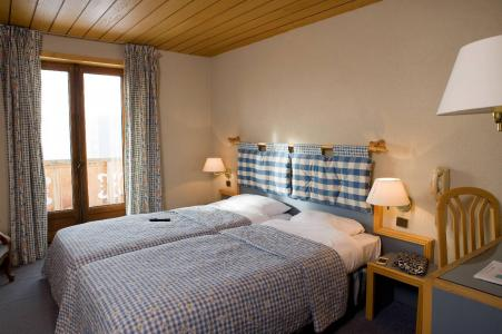 Holiday in mountain resort Hôtel le Christina - Alpe d'Huez - Twin beds