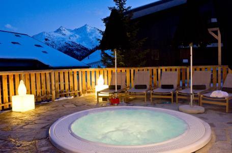 Vacances en montagne Hôtel le Mottaret - Méribel-Mottaret - Jacuzzi