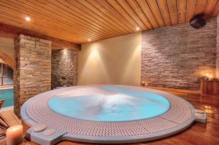 Vacances en montagne Hôtel les Balcons Village - La Plagne - Jacuzzi