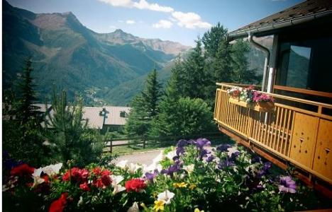 Location au ski Hotel Les Catrems - Orcières 1850 - Extérieur été
