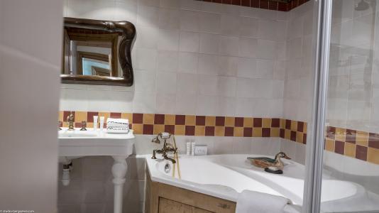 Urlaub in den Bergen Hôtel les Suites du Montana - Tignes - Badezimmer