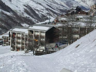Soggiorno sugli sci La Résidence Asters - Les Menuires - Esteriore estate