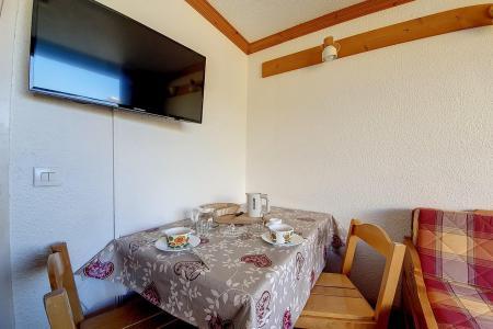 Holiday in mountain resort Studio 3 people (730) - La Résidence la Chavière - Les Menuires - Sleeping area