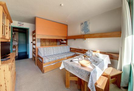 Holiday in mountain resort Studio 4 people (116) - La Résidence la Chavière - Les Menuires - Dining area