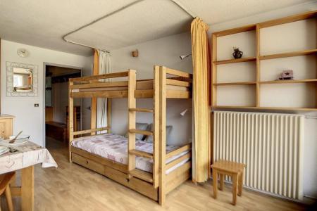 Holiday in mountain resort Studio 4 people (319) - La Résidence la Chavière - Les Menuires - Kitchen