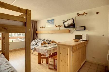 Holiday in mountain resort Studio 4 people (319) - La Résidence la Chavière - Les Menuires - Sofa-bed