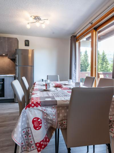 Vacances en montagne Appartement 2 pièces 5 personnes (B2) - La Résidence le Christmas - Méribel - Table