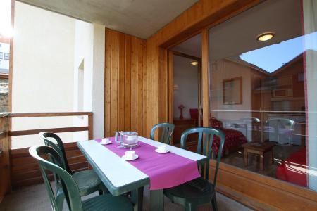 Rent in ski resort 2 room apartment 4 people (A911) - La Résidence le Hameau des Ecrins - Puy-Saint-Vincent - Summer outside
