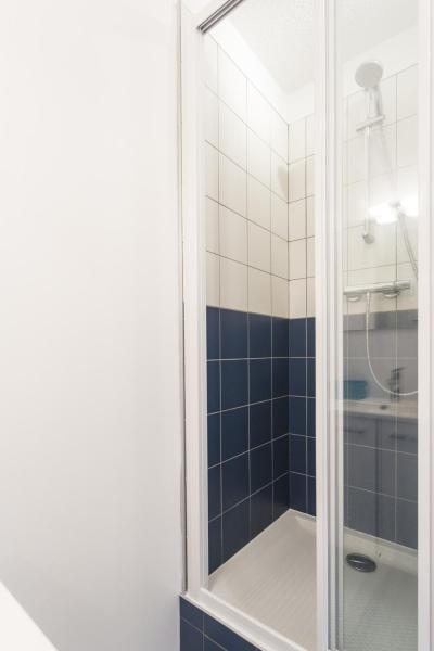 Holiday in mountain resort Studio sleeping corner 4 people (209) - La Résidence le Miravidi - Les Arcs - Shower
