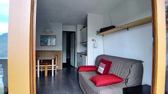 Holiday in mountain resort Studio sleeping corner 4 people (520) - La Résidence le Necou - Les Menuires - BZ-sofa