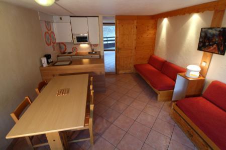 Holiday in mountain resort Studio sleeping corner 4 people (1005CL) - La résidence le Palafour - Tignes - Living room