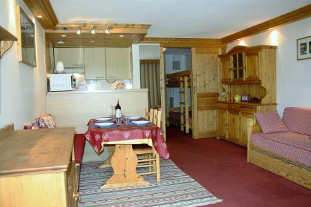 Holiday in mountain resort Studio sleeping corner 4 people (807CL) - La résidence le Palafour - Tignes - Living room