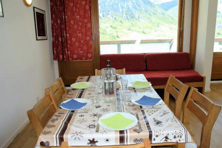 Holiday in mountain resort 2 room apartment 4 people (21CL) - La résidence le Shamrock - Tignes - Table