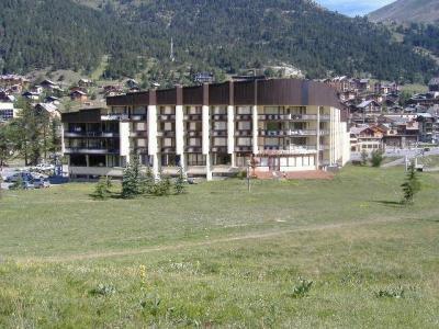 Location au ski La Residence Les Chalmettes - Montgenèvre - Extérieur été