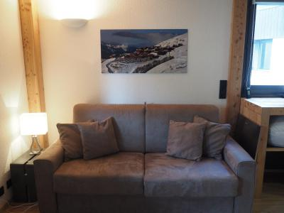 Holiday in mountain resort Studio sleeping corner 4 people (0412) - La Résidence les Gentianes - Les Menuires - Bed-settee