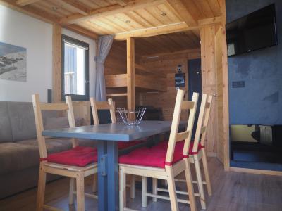 Holiday in mountain resort Studio sleeping corner 4 people (0412) - La Résidence les Gentianes - Les Menuires - Living room