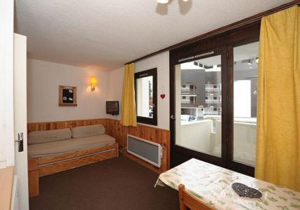 Holiday in mountain resort Studio sleeping corner 4 people (0R13) - La Résidence les Gentianes - Les Menuires - Bed-settee