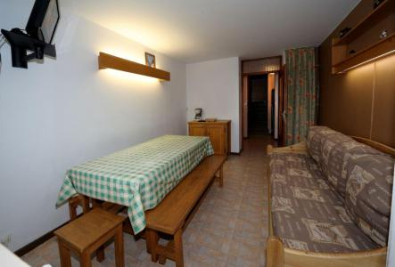 Holiday in mountain resort 2 room duplex apartment 6 people (C8) - La Résidence les Lauzes - Les Menuires - Dining area