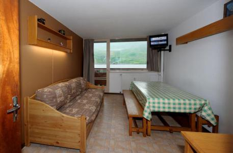 Holiday in mountain resort 2 room duplex apartment 6 people (C8) - La Résidence les Lauzes - Les Menuires - Living room