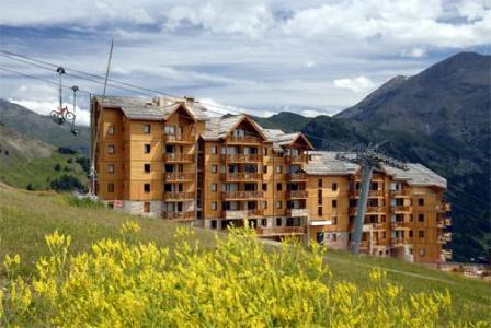 Location au ski La Residence Rochebrune - Orcières 1850 - Extérieur été