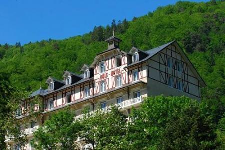 Location au ski Le Golf Hotel - Brides Les Bains - Extérieur été