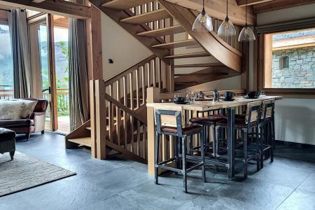 Holiday in mountain resort 4 room triplex chalet 6 people (Carcosa) - Le Hameau de Caseblanche - Saint Martin de Belleville - Table