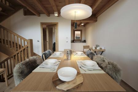 Holiday in mountain resort 5 room triplex chalet 8 people (Landenoire) - Le Hameau de Caseblanche - Saint Martin de Belleville - Table