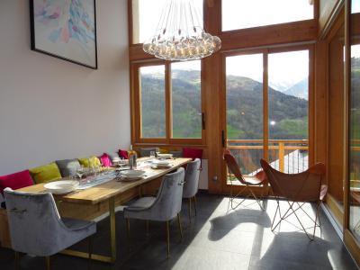 Holiday in mountain resort 6 room triplex chalet 12 people (Ibis Viperae) - Le Hameau de Caseblanche - Saint Martin de Belleville - Table