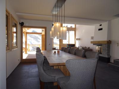 Holiday in mountain resort 7 room duplex chalet 12 people (Bouc Blanc) - Le Hameau de Caseblanche - Saint Martin de Belleville - Table